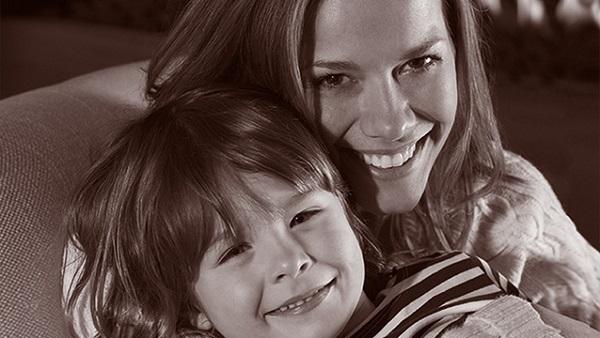 Foto von einer Mutter und ihrem Kind